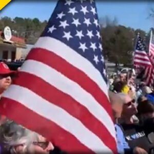 HUNDREDS of Michigan Patriots Rally For Restaurant Owner Who Was JAILED for Opening