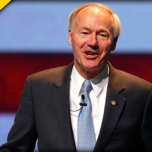 Disgraced Arkansas Gov. Goes on CNN to Slam Trump for His Attacks on Mitch McConnell