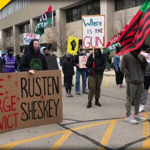 Kenosha WI SWARMING with BLM after Jacob Blake's Family Demands Apology
