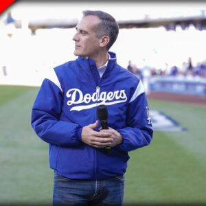 WATCH What Happens When LA Dodgers Fans See Their Mayor on the Jumbotron - it was So Loud