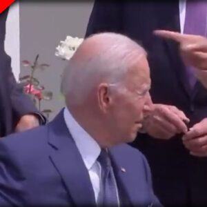 EVERYONE Noticed What Kamala Did when Biden Got Lost In the middle of Signing Ceremony