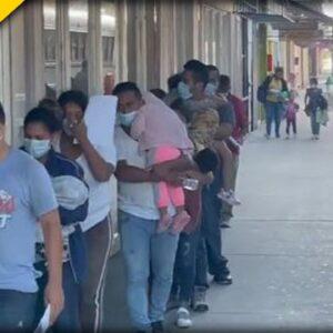 Fox Reporter Catches Biden Admin 'Mass Release' of Migrants In Downtown Of American City