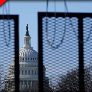Trump Issues Warning as Fencing, Watch Tower Erected in DC Ahead of Protest